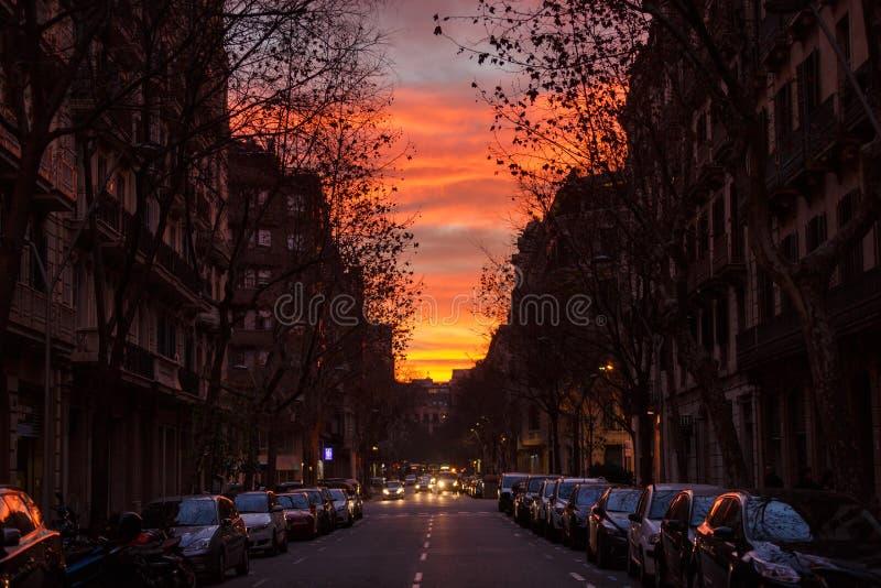 在日落的巴塞罗那 库存照片
