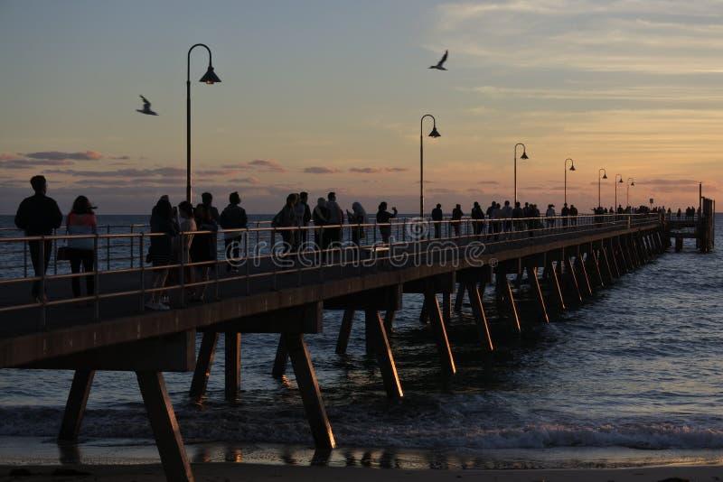 在日落的Glenelg跳船在阿德莱德南澳大利亚 免版税库存图片