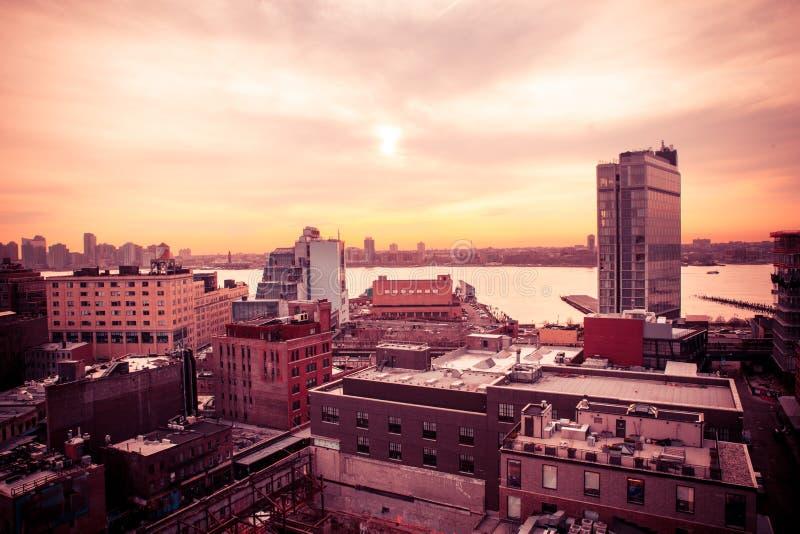 在日落的NYC切尔西和西边 免版税库存照片