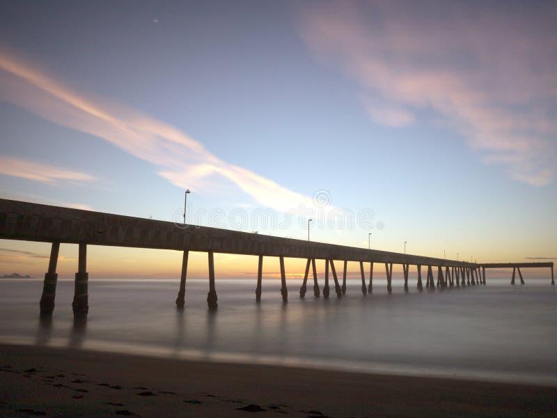 在日落的Pacifica码头 图库摄影