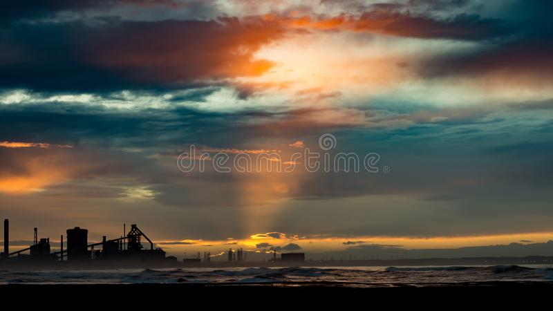 在日落的Redcar海滩 行业背景 免版税库存照片