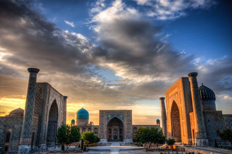 在日落的Registran在撒马而罕,乌兹别克斯坦 库存照片