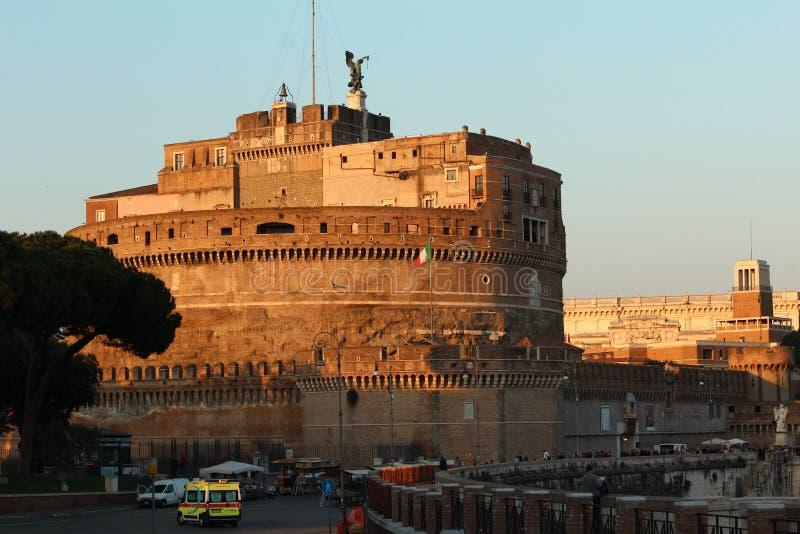 在日落的St安吉洛城堡 免版税库存图片