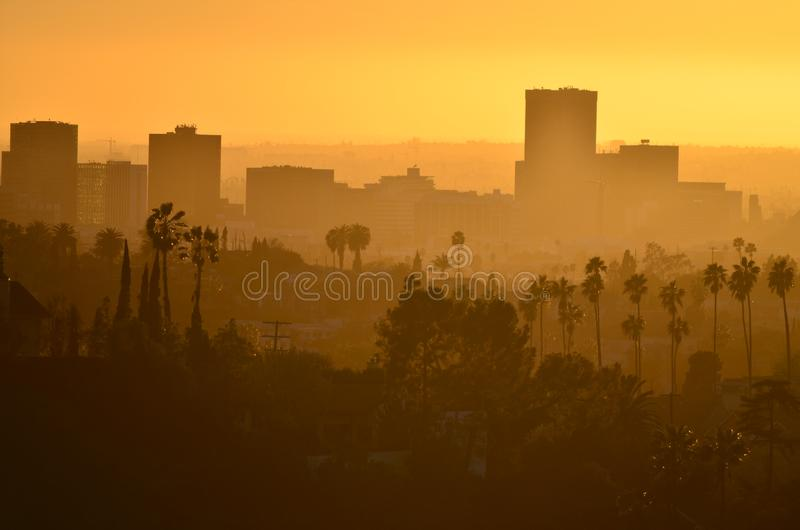 在日落视图的街市洛杉矶附近从天堂公园 免版税图库摄影