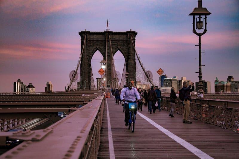 在日落视图的Brooklin桥梁 图库摄影