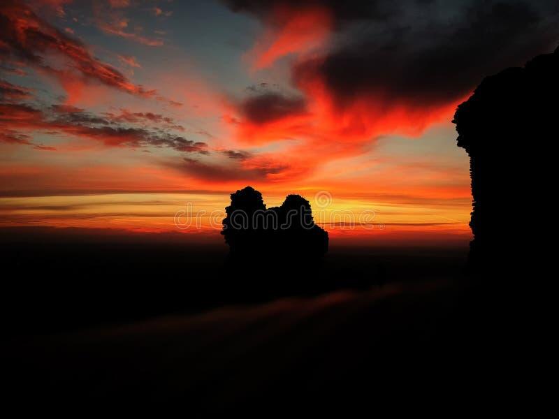 在日落黎明日出的风景五颜六色的天空 太阳sver地平线hor 图库摄影