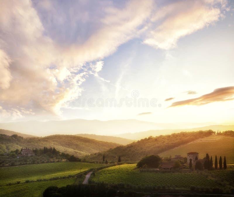 在日落,意大利的托斯卡纳风景 库存图片