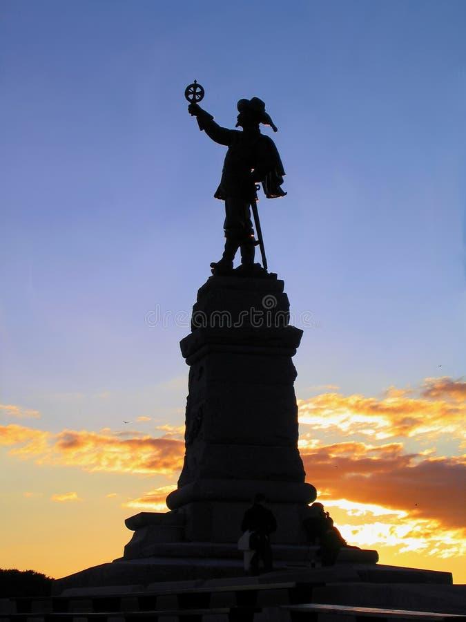 在日落,渥太华,加拿大的萨缪尔・德・尚普兰雕象 免版税库存照片