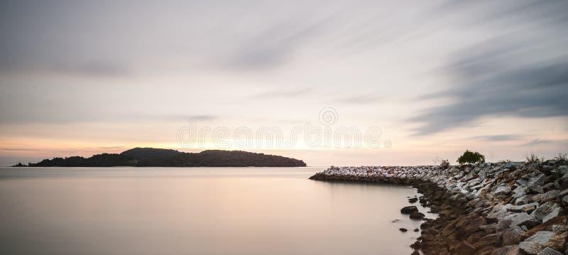 在日落以后的海湾 图库摄影
