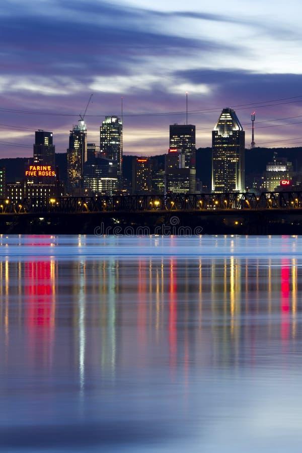 在日落以后的蒙特利尔 免版税库存照片