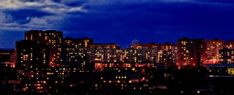 在日落以后的邻里 库存照片