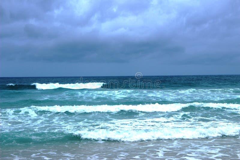 在日落以后的Andamandskogo海 免版税库存图片
