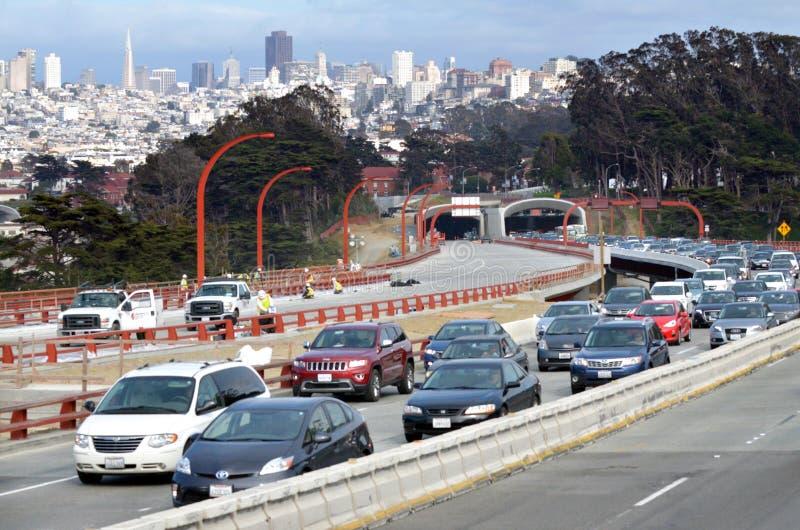 在旧金山大路隧道的交通 库存图片
