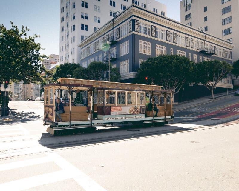 在旧金山街道上的老流浪者 免版税图库摄影