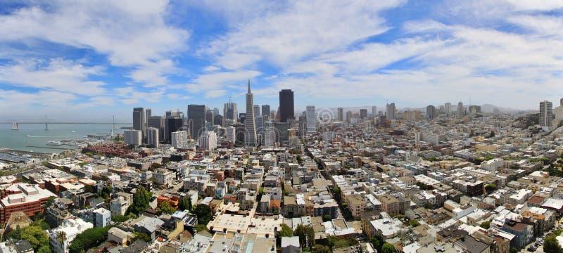 在旧金山,加利福尼亚,美国地平线的全景视图  库存图片