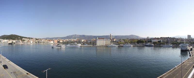 在早晨太阳期间,分裂港口 库存照片