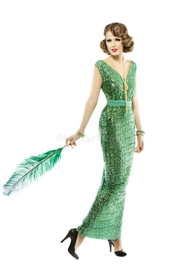 在时尚减速火箭的衣服饰物之小金属片礼服,典雅豪华的夫人的妇女羽毛 库存照片