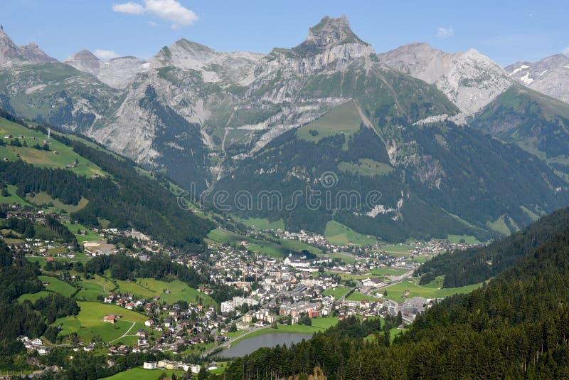 在昂热尔贝格村庄的看法瑞士的 免版税库存图片