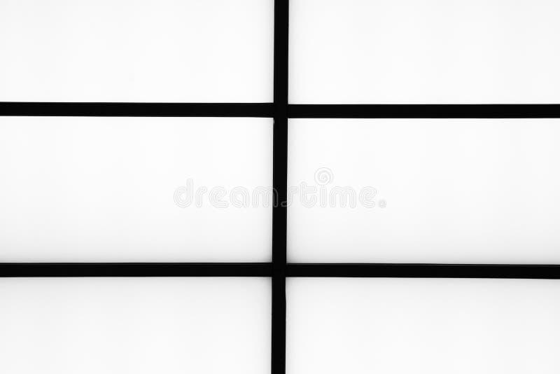 在明亮的白色背景, m的抽象几何黑条纹 免版税图库摄影