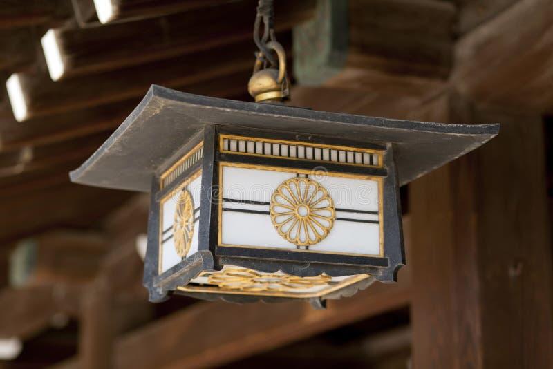 在明治神宫的灯 免版税库存图片