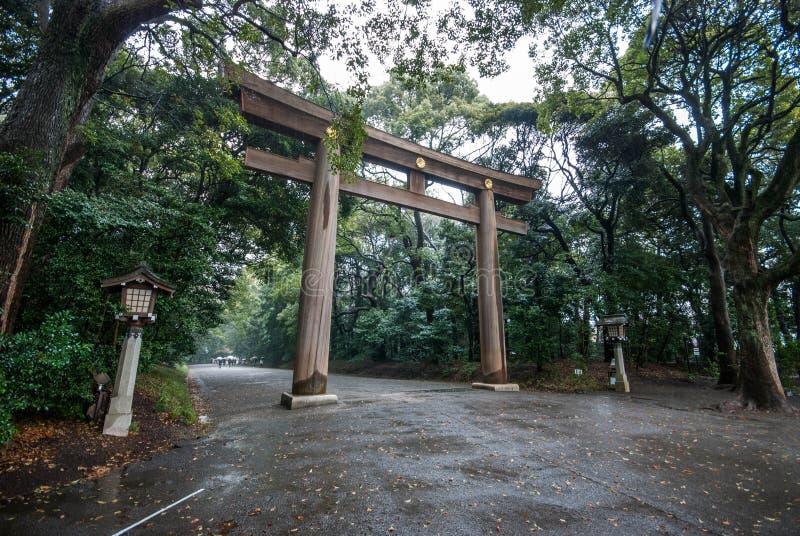 在明治神宫的Torii 免版税库存照片