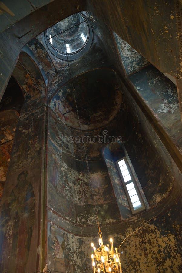 在易三仓礼拜堂里面在罗斯托夫克里姆林宫,罗斯托夫,一最旧的镇和金黄圆环的旅游中心,雅罗斯拉夫 免版税图库摄影