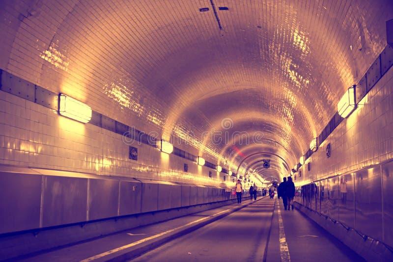 在易北河下的隧道在汉堡,德国 库存照片