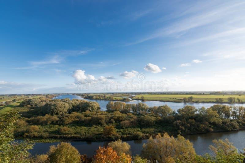 在易北河的看法在博伊岑堡,梅克伦堡,德国附近 库存图片