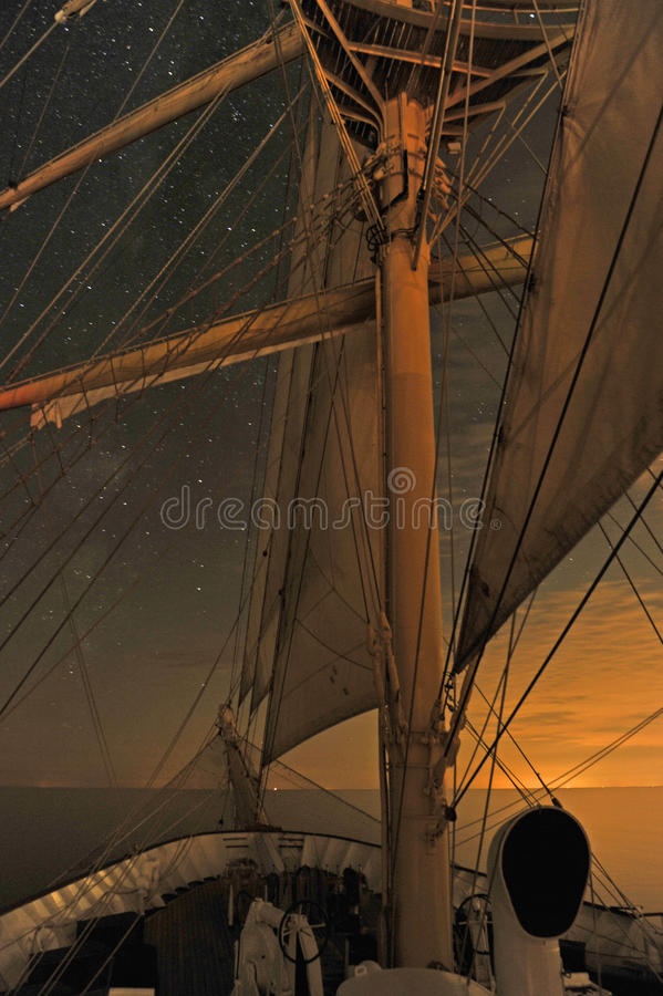 在星下的一艘高船 库存图片