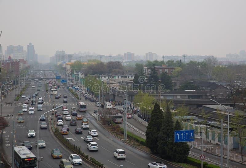 在春天的北京天坛路 库存图片
