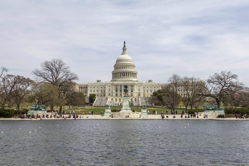 在春天的美国国会 库存图片