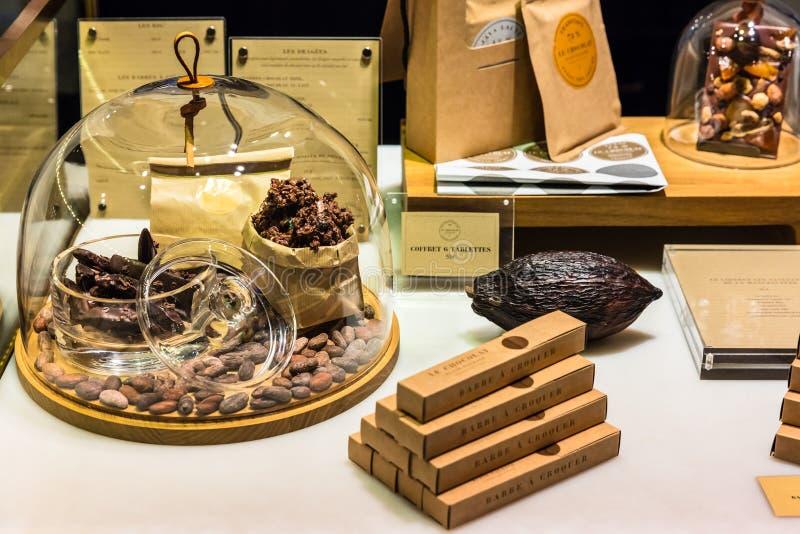 在显示的巧克力产品在法国超级市场 巴黎, Fr 库存照片
