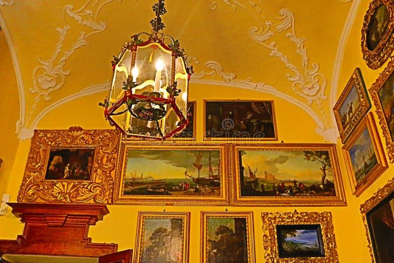 在显示的意大利新生绘画收藏 免版税库存照片