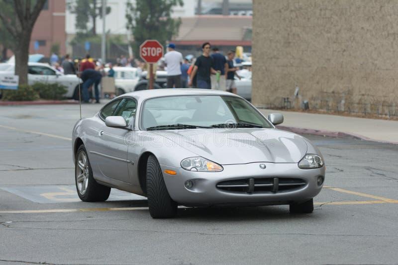 在显示的捷豹汽车XK8汽车 免版税库存图片