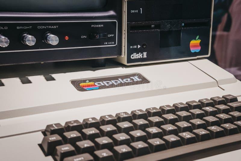 在显示的梅肯套希苹果计算机II计算机在苹果计算机博物馆里面在布拉格,捷克 图库摄影