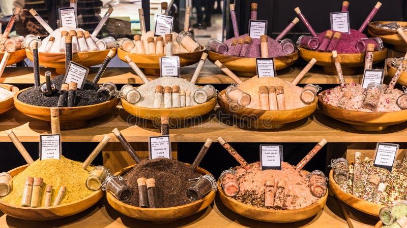 在显示的盐在法国超级市场 法国巴黎 免版税库存照片