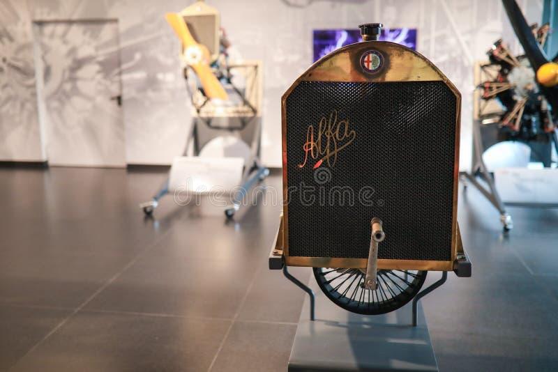 在显示的葡萄酒水箱在历史博物馆阿尔法・罗密欧 免版税库存照片