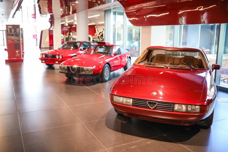 在显示的阿雷塞,意大利-阿尔法・罗密欧汽车在历史博物馆阿尔法・罗密欧 免版税库存照片