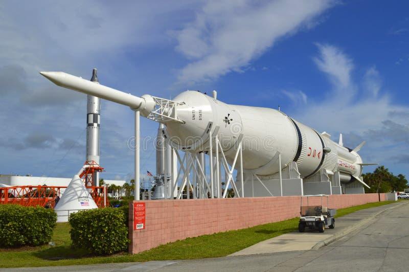 在显示的水星雷石东火箭在肯尼迪航天中心佛罗里达 免版税库存照片