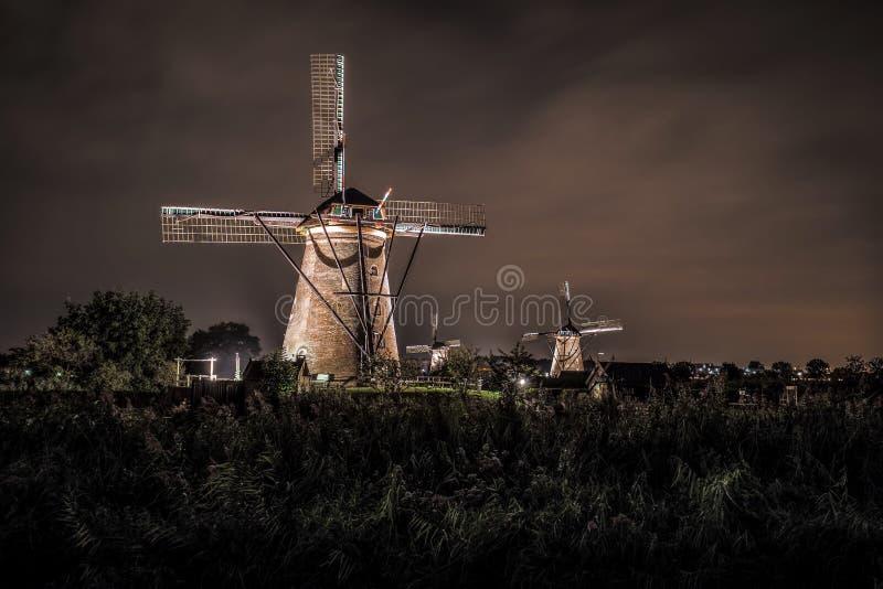 在晚上安置和荷兰的巨人 免版税库存图片