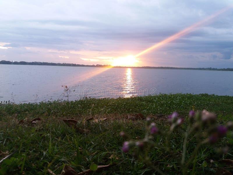 在晚上时间斯里兰卡的太阳亮光 免版税库存图片