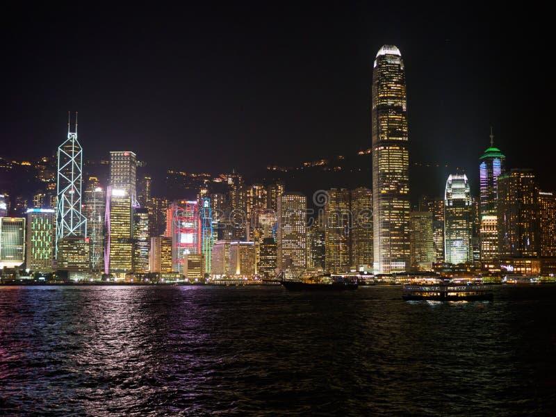 在晚上期间,香港地平线  免版税库存照片