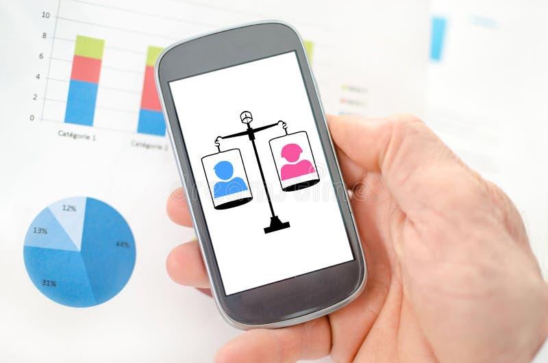 在智能手机的平等概念 免版税库存图片