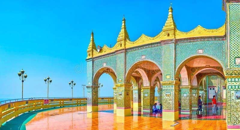 在曼德勒小山,缅甸的上面的寺庙 库存图片