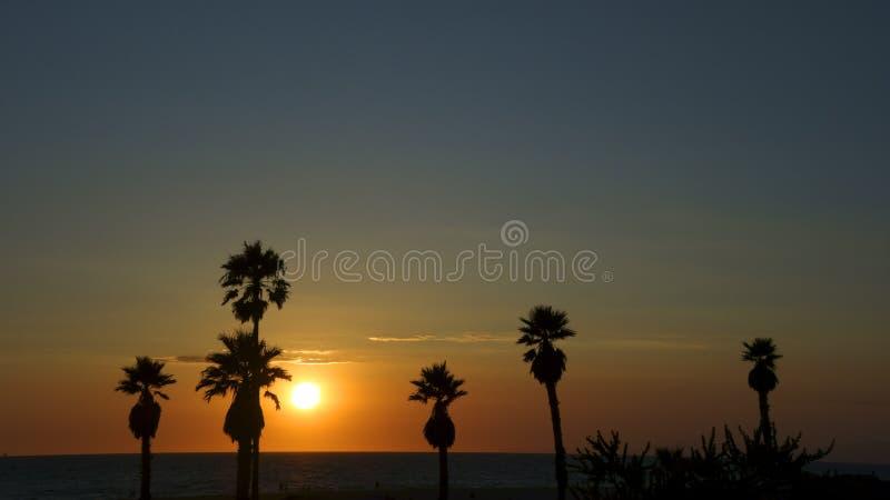 在曼德勒海滩,加州的灿烂光辉 免版税库存图片