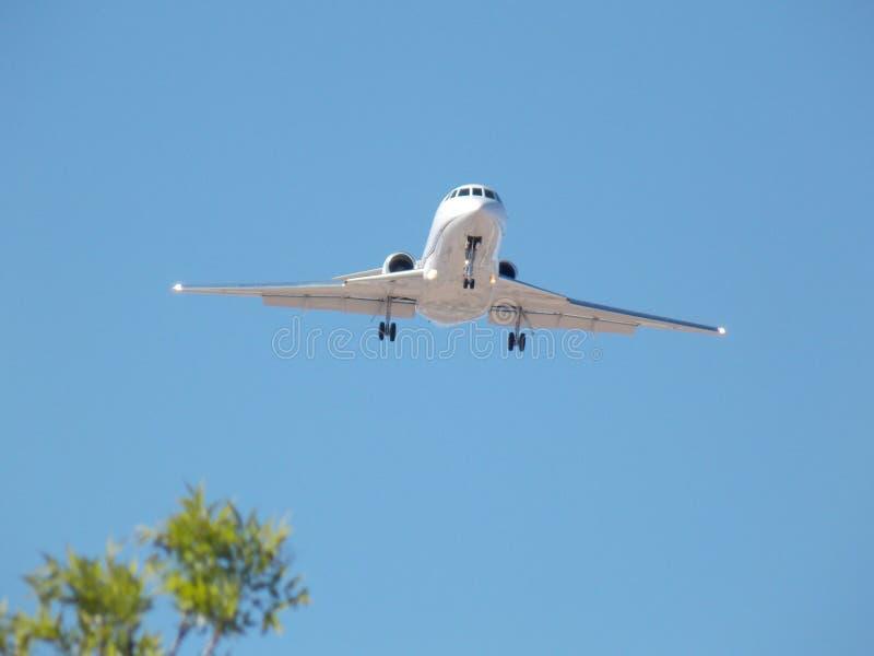 在最后渐近的Commerical航空公司对机场 免版税图库摄影