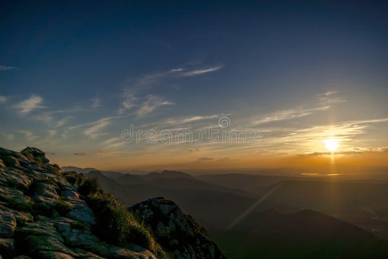 在最Giewont的日落普遍的山在Pola 库存照片