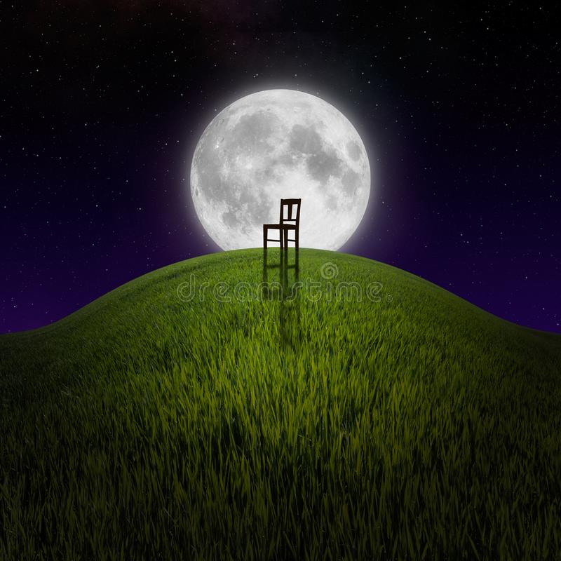 在月亮点燃的夜小山的椅子 库存照片