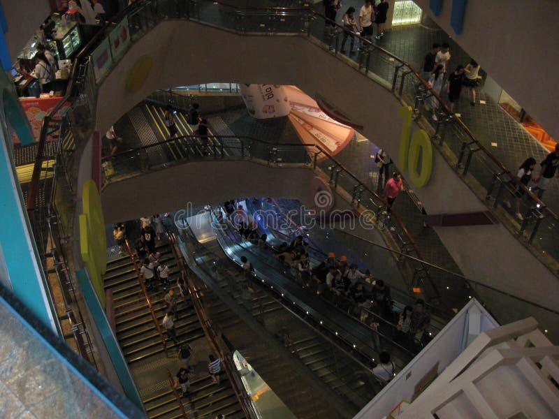 在朗廷位置购物中心里面,旺角,香港 免版税库存图片