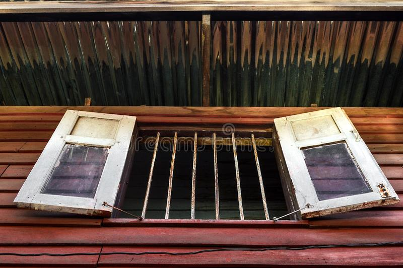 在木家的窗口 图库摄影